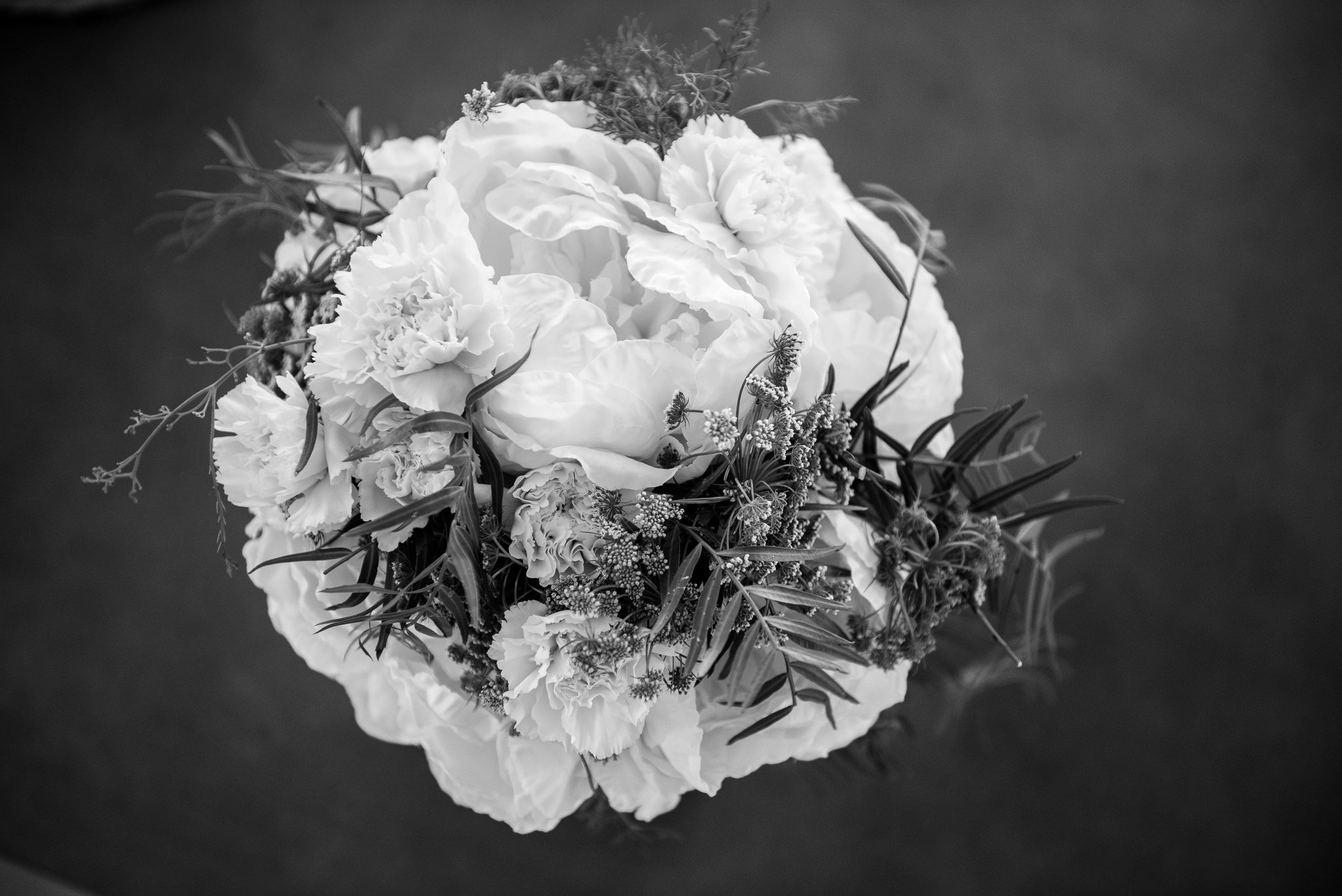 black & white wedding flowers
