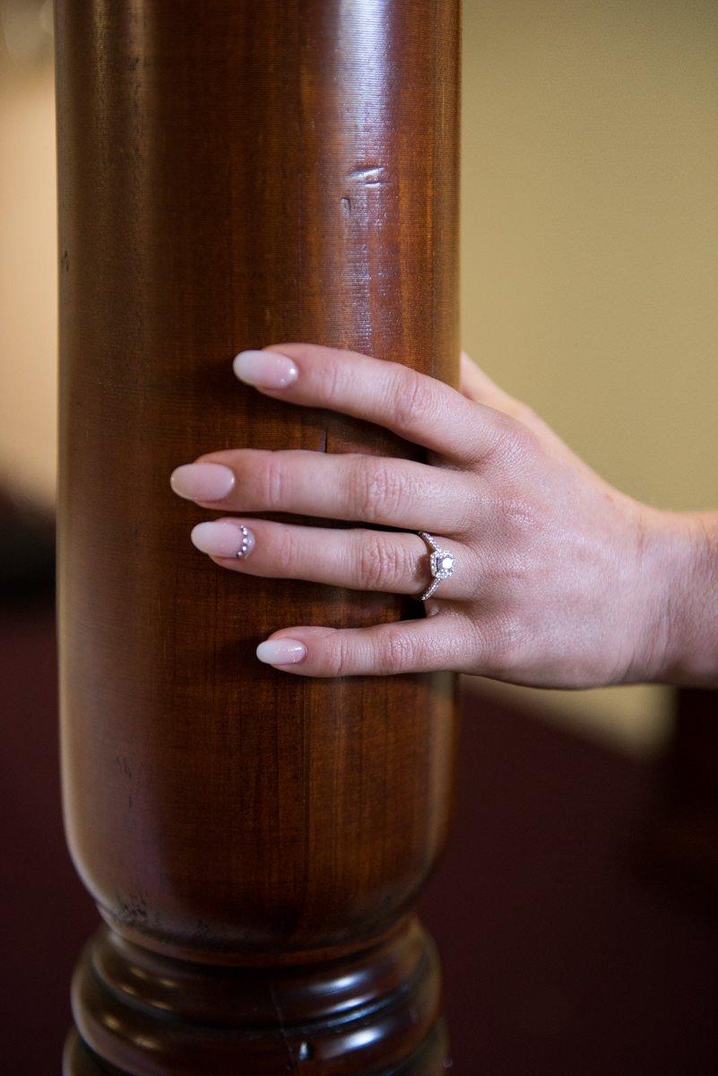 Brides hand